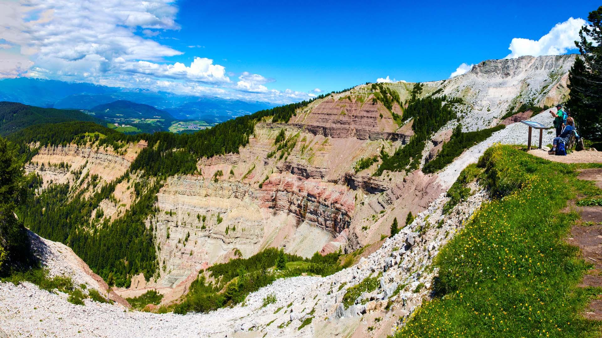Aussichtspunkt Bletterbachschlucht am Jochgrimmpass
